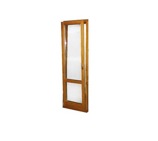 Деревянная балконная дверь купить по цене 9680.00 в компании.