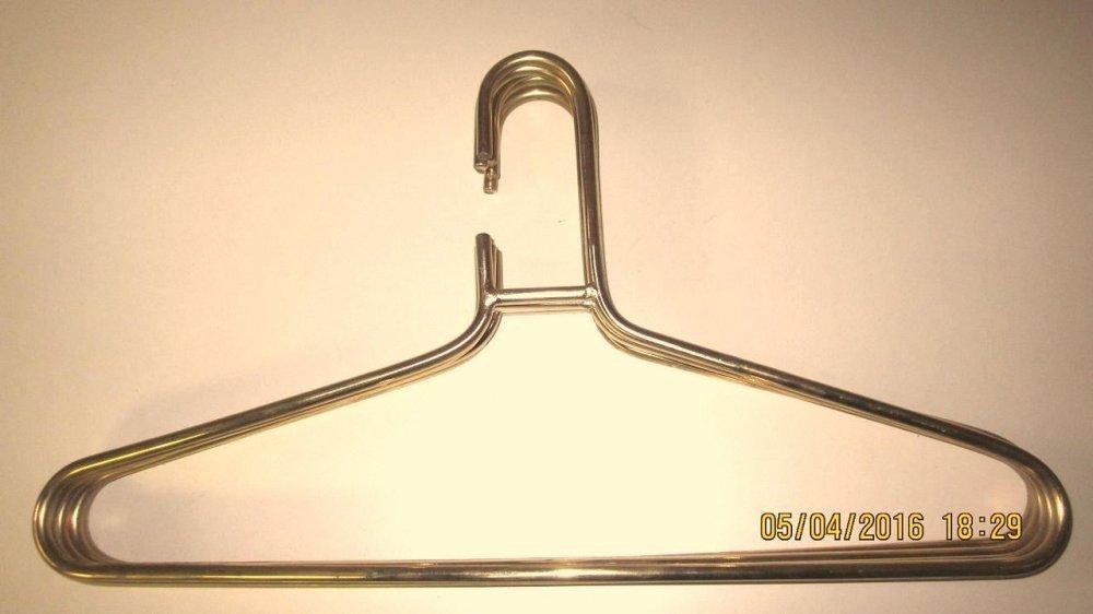 Вешалки-плечики для одежды от производителя Производственная фирма ... a93d401b75136